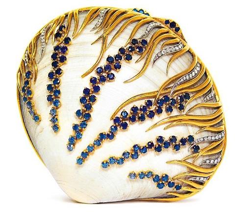 Sea shell brooch