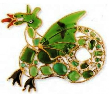 Brooch in the form of a dragon, Maison Gripoix for Chanel. metal, gold-plated, cast glass. 1940