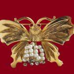 Signed Brooks vintage costume jewelry