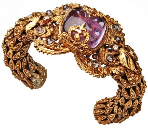 Luxurious Coco Chanel jewellery - bracelet