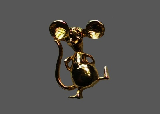 Dancing mouse brooch pin. Gold plated metal alloy, red rhinestone eyes