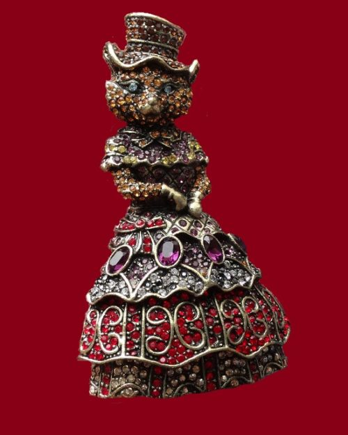 Fabulous brooch from the series 'Alice Through the Looking Glass'. 8 cm, 1980s