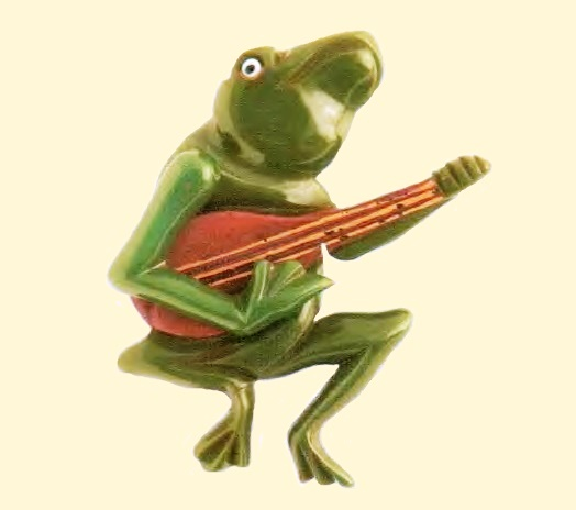 Frog playing banjo, Brooch. Green carved phenol, very rare. 1930's. Unknown jeweler. 7 cm £ 1335-1665 BY