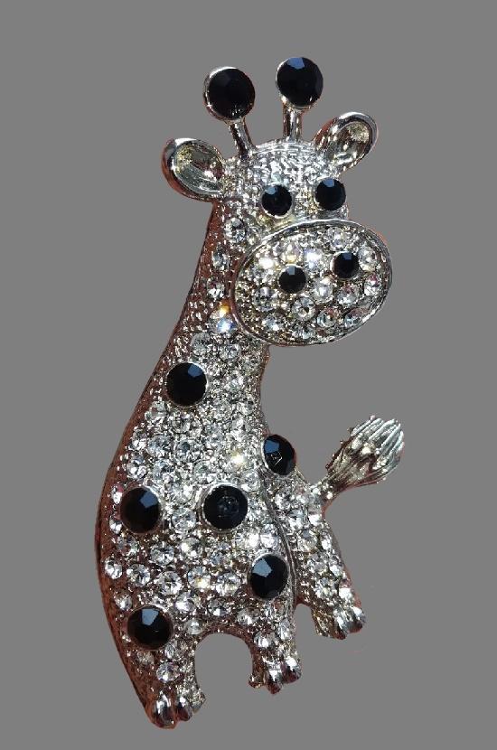 Giraffe brooch. Silver tone metal, Swarovski crystals. 4,8 cm, 1990s