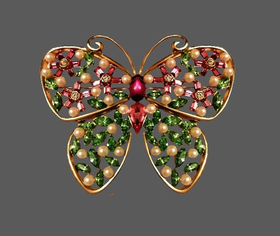 Butterfly brooch. Gold tone, faux pearls, art glass, Swarovski crystals. 6 cm. 1980s