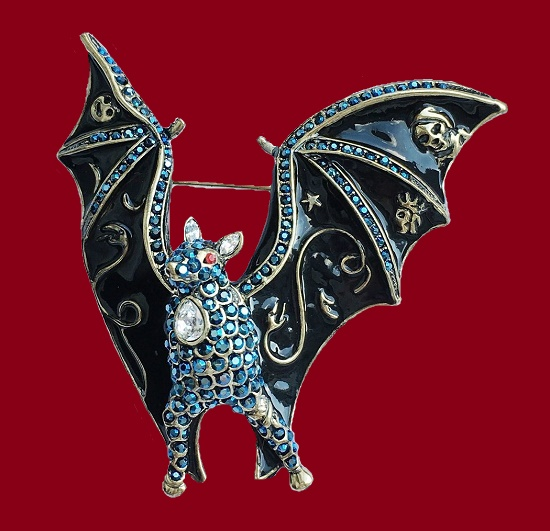 Gorgeous Boo bat brooch from the Halloween series. Jewelry alloy, Swarovski crystals, enamel, blackening. 7 cm, 1980s