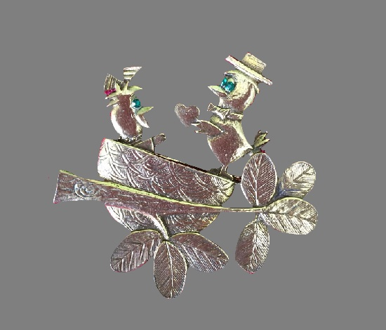 Heart gift St. Valentine's Day brooch. Gold plated metal alloy, rhinestones. 5 cm. 1950s