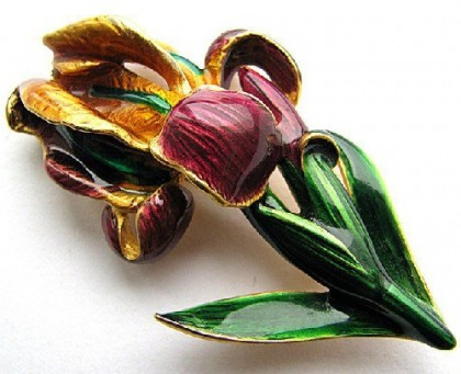 Realistic Iris MFA vintage brooch
