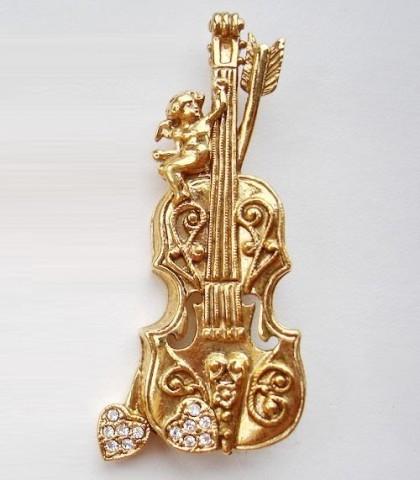 Golden Cello brooch