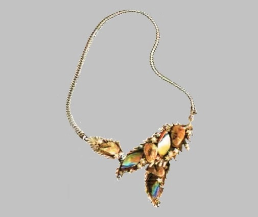 Necklace with pendant. Silver tone metal, aurora borealis. 1950's. £ 275-300 SUM