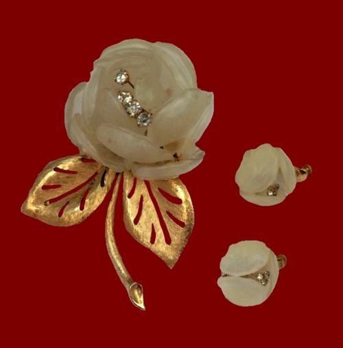 Pink Rose brooch and clips of gold tone jewelry alloy, lucite, crystals. Brooch 8 cm, clips 2 cm