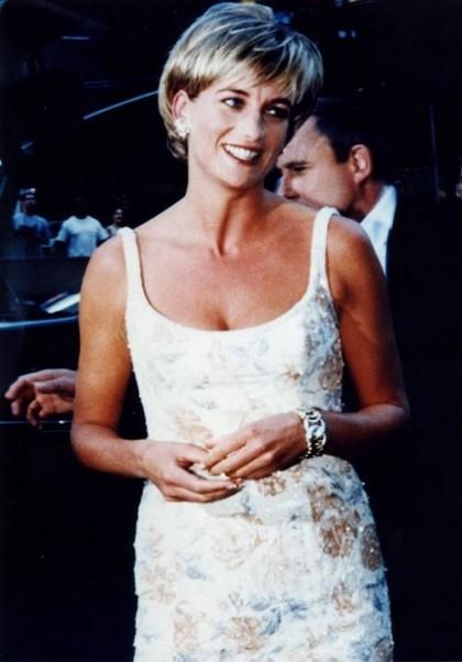 Princess Diana wearing Verdura bracelet