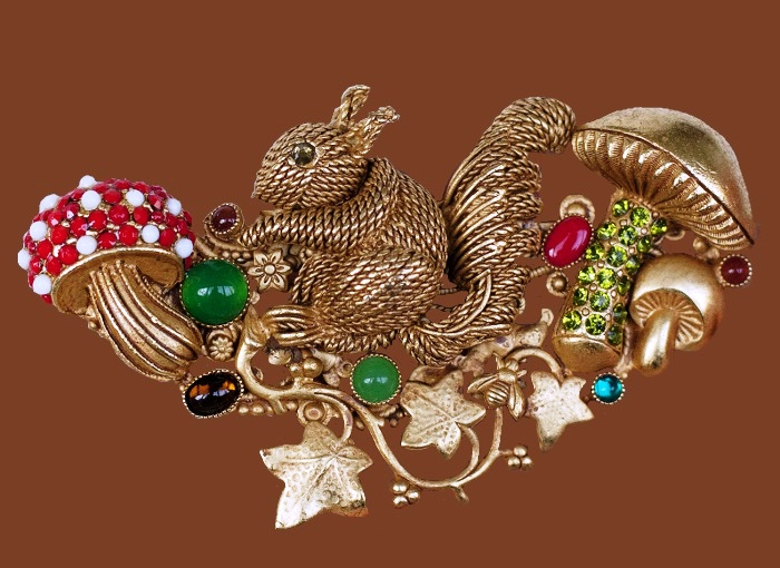Squirrel with mushrooms, vintage brooch. Gold plated, rhinestones, cabochons. 8 cm