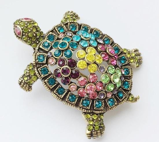 Tortoise brooch. Swarovski crystals, blackening. 5,9 cm. 1990s