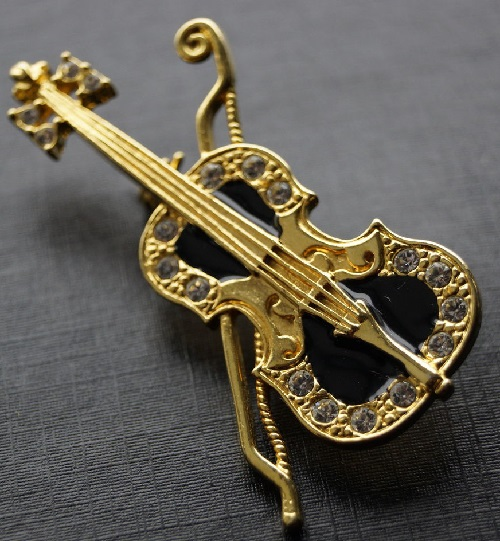 Brooch violin, made in US