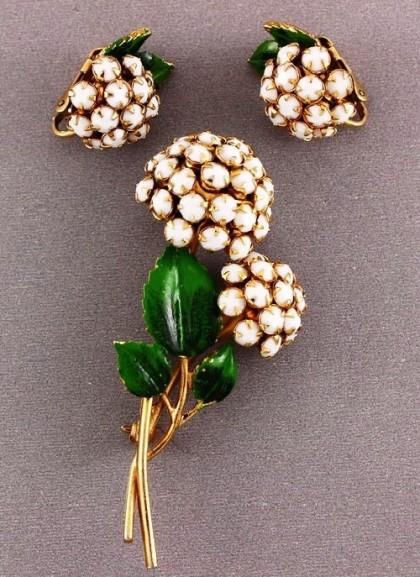 Sandor vintage costume jewelry
