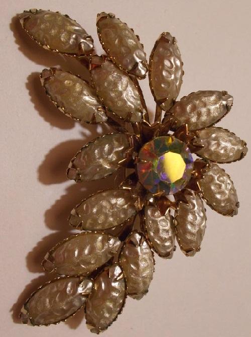 1950 Carved Glass Baroque Pearl Vintage brooch