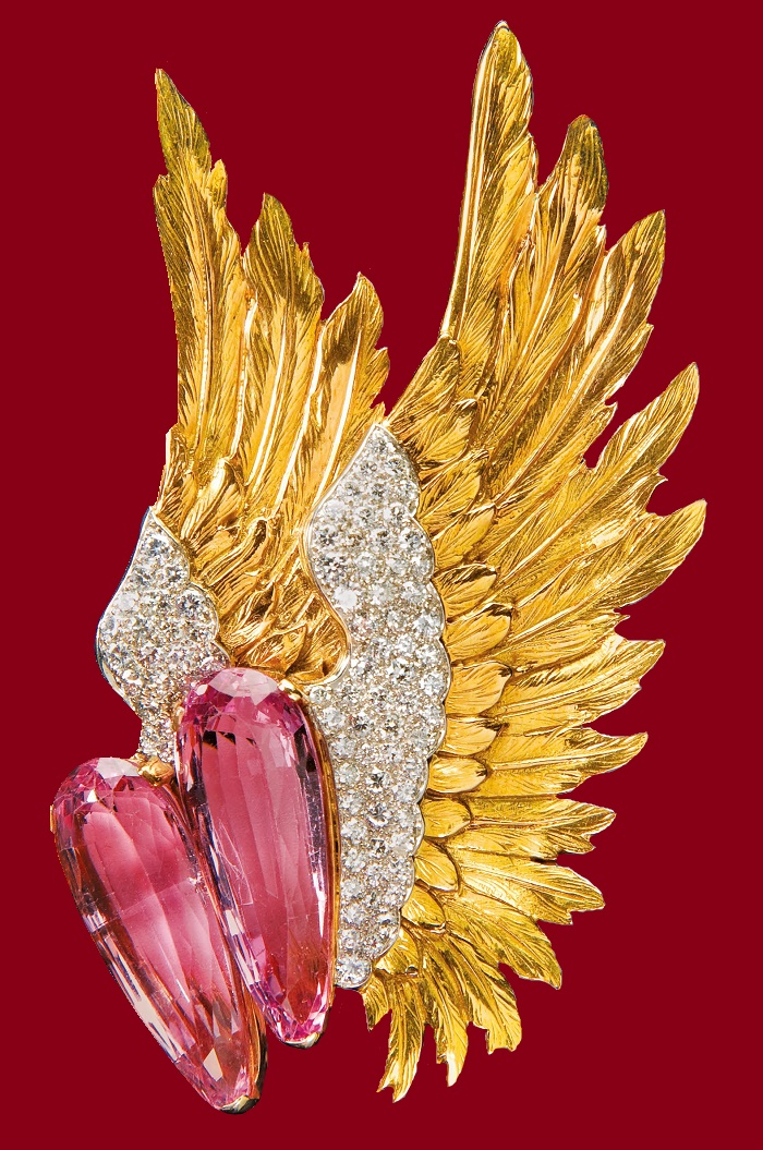 Winged brooch, 1939, pink topaz stones, diamonds. The actress Joan Fontaine owned it and wore it in Alfred Hitchcock's film Suspicion (1941)