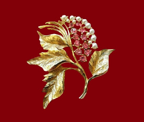 Branch with berries, rowan. Gold tone alloy, faux pearls, crystals, enamel. 5.5 cm. 1980s