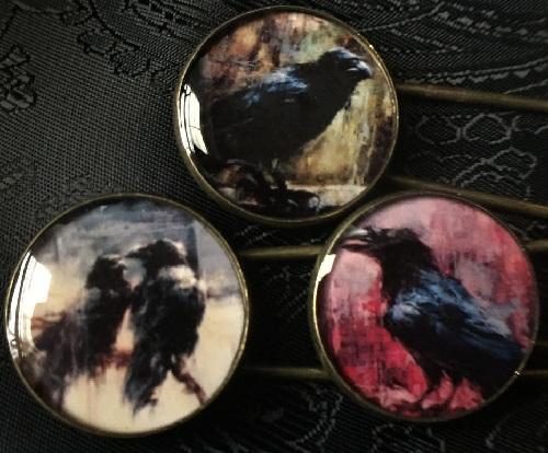 Pins Crow. Handmade by DjekCarr, Russia