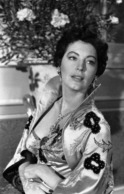 Ava Gardner wearing beautiful set of jewellery – necklace and clips. Christian Dior New Look, 1950s