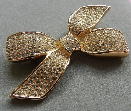 Classic bow brooch. Christian Dior vintage brooch 1980s