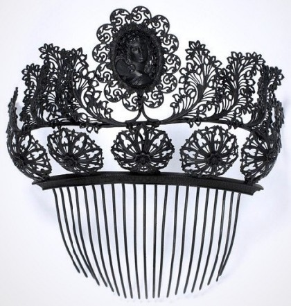 Beautiful hair comb of the first half of the XIX century