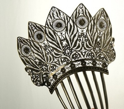 Exquisite hair comb of the first half of the XIX century