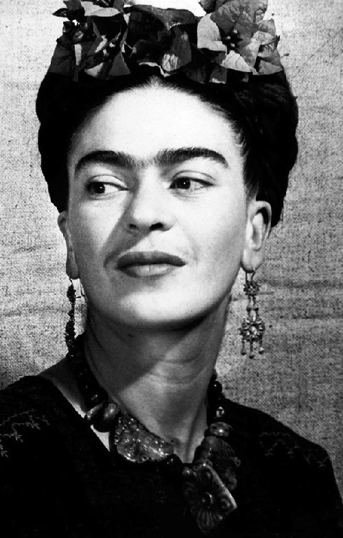 Her decorations were unique. Frida Kahlo