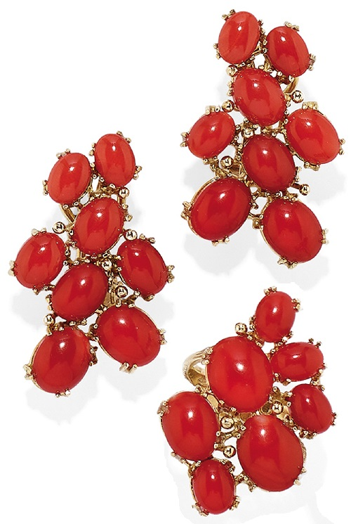 Ring and earrings of Gold and coral