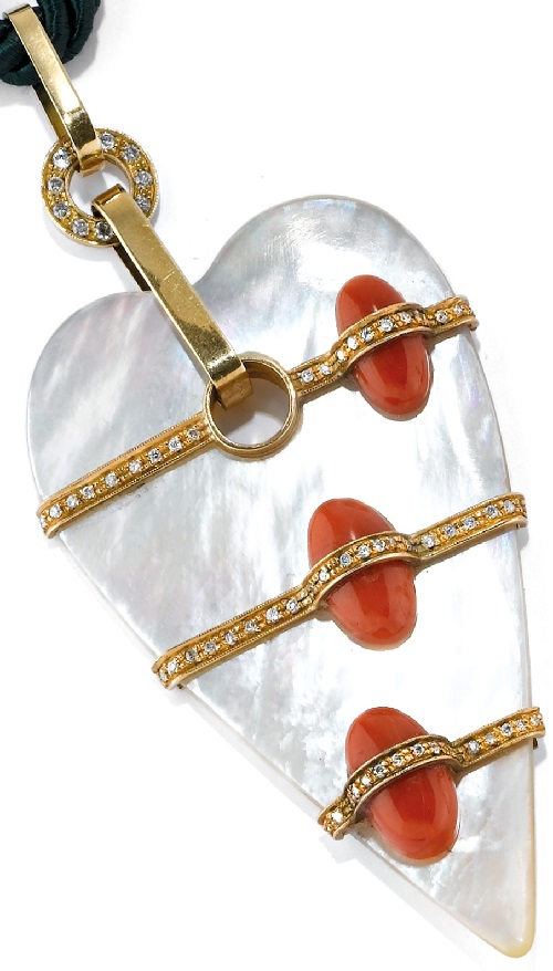 Mother of pearl, gold, diamond and coral necklace Heart