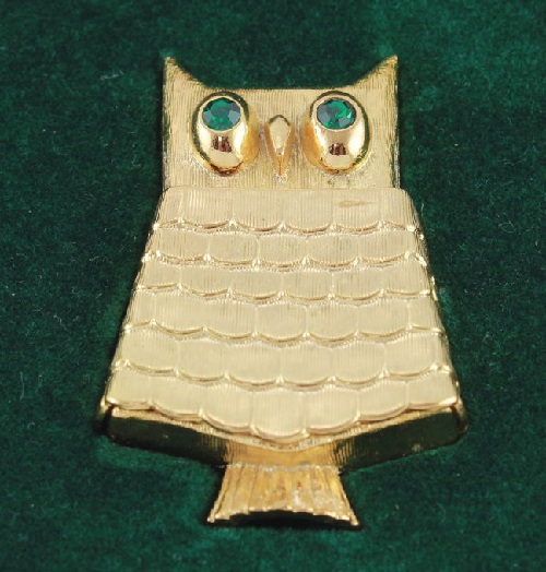 Jewelled Owl vintage brooch by Avon