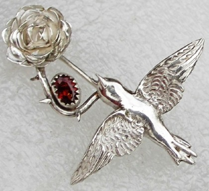 Nightingale and Rose brooch by Zilvera, inspired by Oscar Wilde