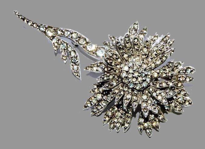Original Mitchel Maer diamante encrusted pin brooch, 1950. Estemated price $ 500