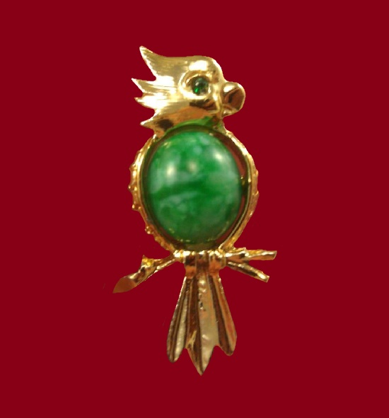 Parrot brooch. Gold tone metal, green glass cabochon. 3.6 cm. 1960s