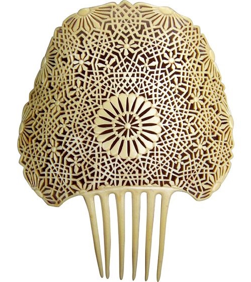 Carved bone. Spanish mantilla comb