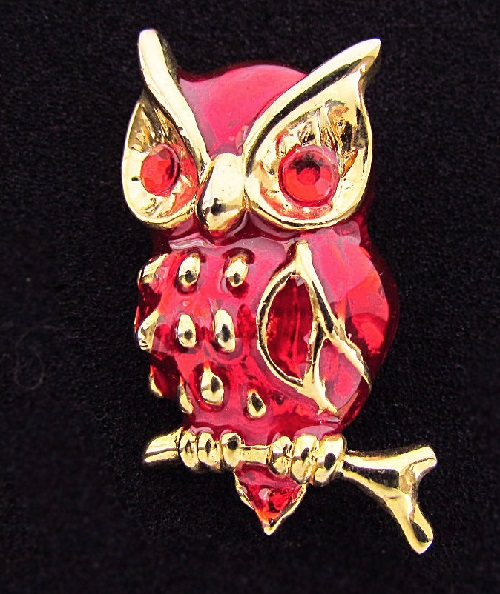 Beautiful red Vintage brooch Owl