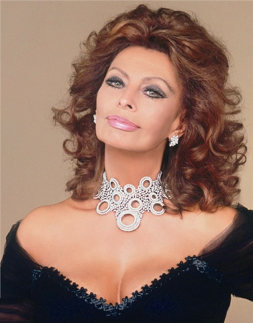 A set of necklace and earrings. Sophia Loren in jewelry from Italian jewellery house Damiani