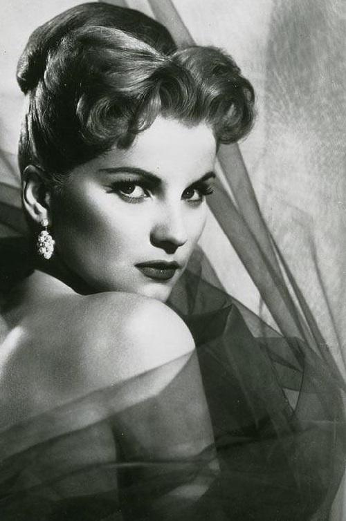 Beautiful actress Debra Paget