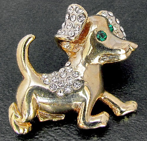 English Vintage brooch Dog