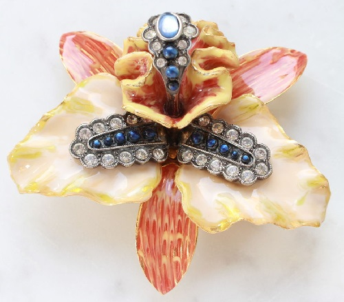 Beautiful Orchid. Joan Rivers vintage brooch