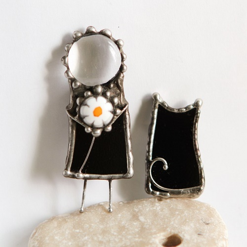 Brooch stained glass man with chamomile Murano glass. Glass, metal (tin, copper)
