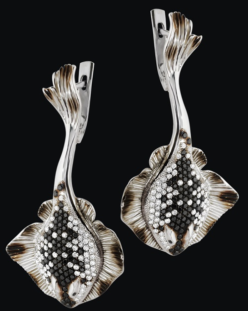 'Batoidea' Earrings. White gold (585), white and black diamonds, rhodium