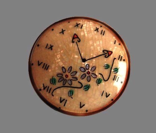 Clocks brooch