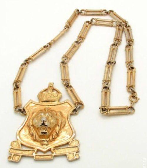 Lion pendant-necklace. 1950s Accessocraft N.Y.C.