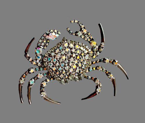 Crab brooch. Jewelry alloy, hematite, Swarovski crystals. 6.5 cm