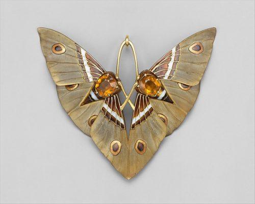 Moth, 1900. Gold, enamel, citrine, carved horn