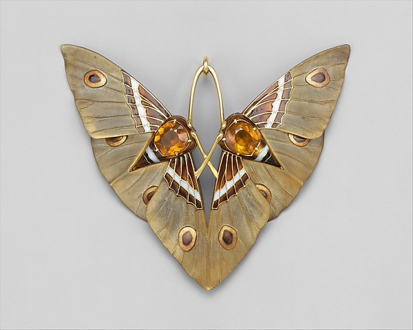 Moth, 1900. Gold, enamel, citrine, carved horn