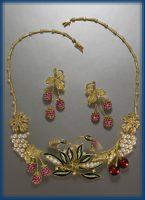 Raspberry jewellery set