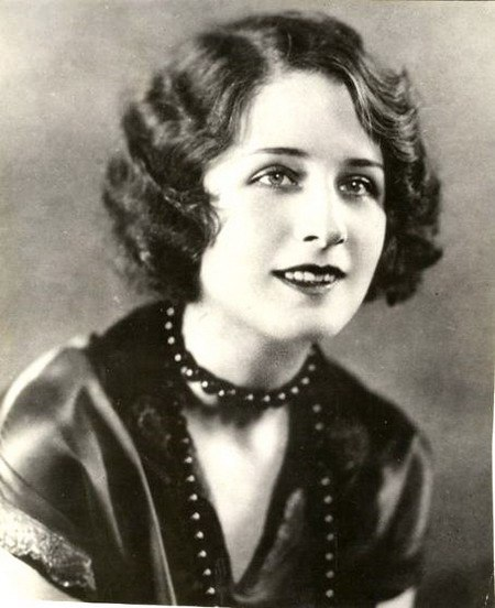 Rare Black pearl necklace beads worn by Norma Shearer (August 10, 1902 - June 12, 1983)